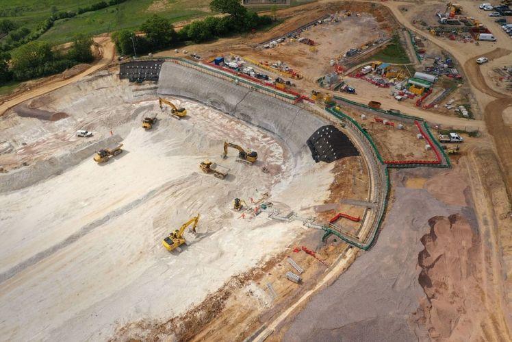 Ve Velké Británii začala stavba nové vysokorychlostní trati, náklady přesáhnou bilion korun